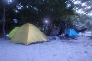 """Catatan Perjalanan : Camping di Pulau Sangiang, """"Surga"""" Tersembunyi di Banten"""