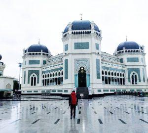 Solo Backpaker di Medan : Wisata Religi, Kuliner Sampai Sejarah