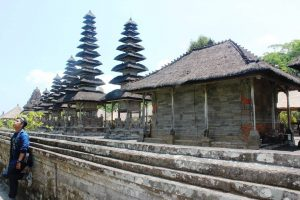 Eksplore Bali : Menjelajahi Bali, Kota Seribu Pura Dengan sejuta Pantai Nan Mempesona