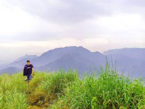Trail Run : Gunung Batu Jonggol, Uji Adrenalin di Ekstrimnya Cuaca Bogor